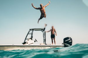 Boot fahren im Urlaub