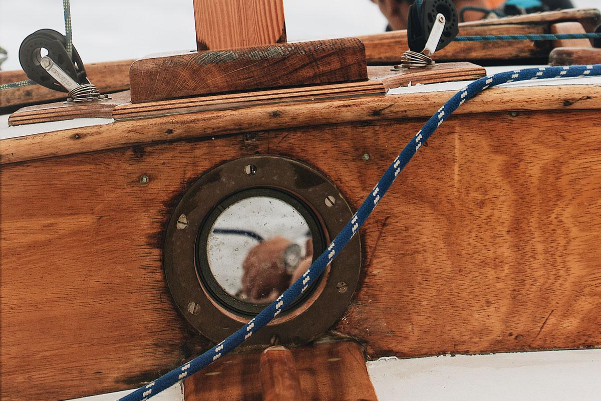Richtig gepflegtes Holz an Deck